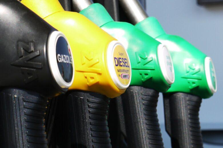 ハイオクとレギュラーガソリンの違い なぜ値段が高いの?効果は?