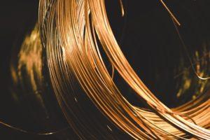 銅線は安価で使いやすい導線材料