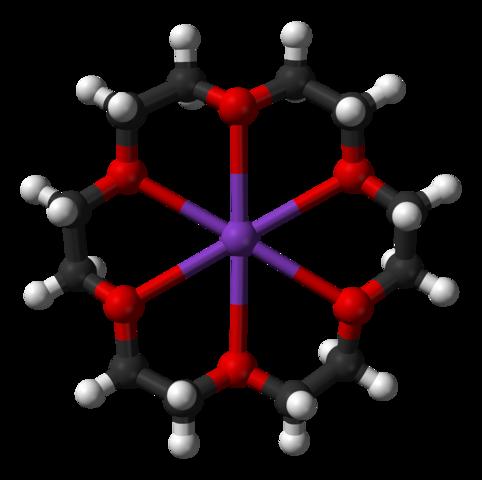 18-crown-6+カリウムイオンの構造:中央の紫はカリウムイオン